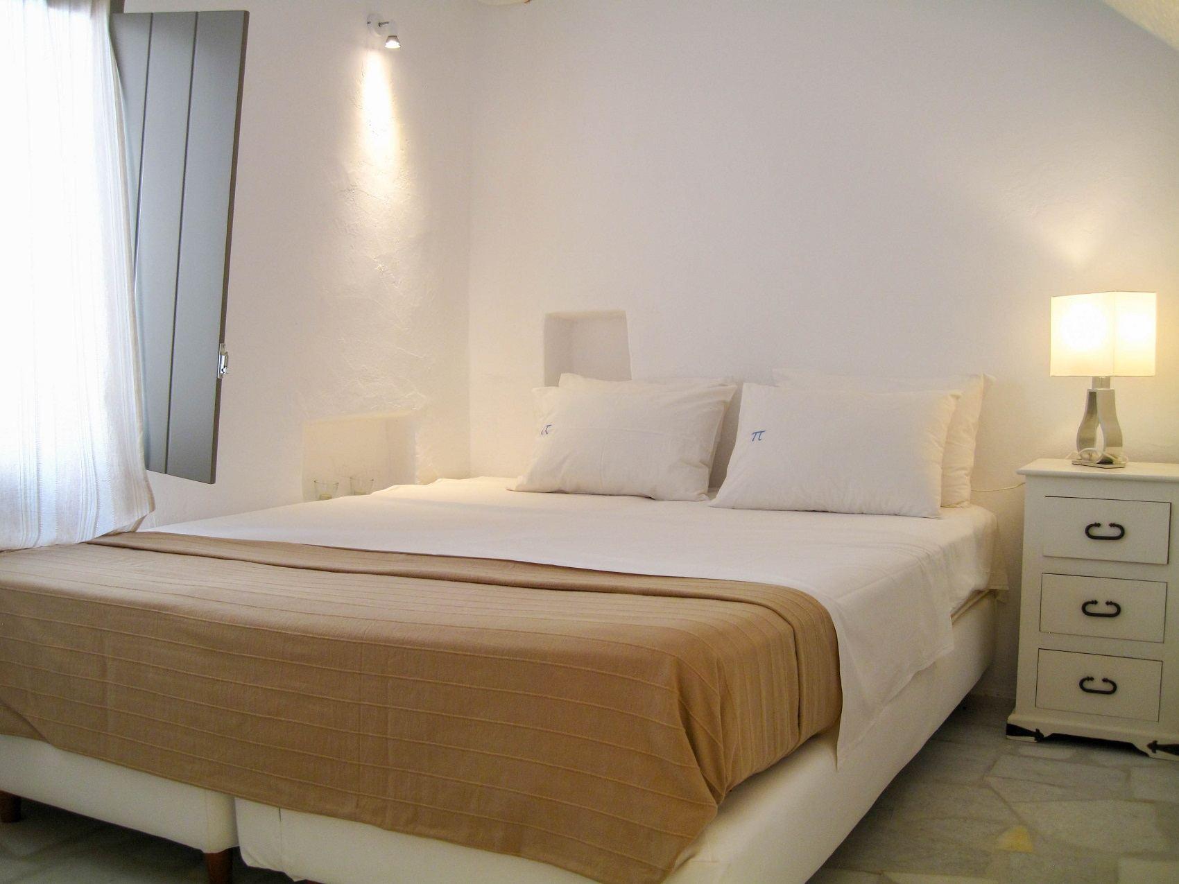 paros luxury hotels